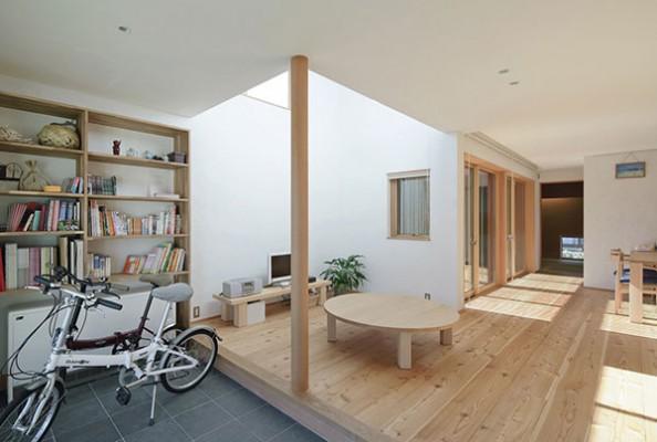 格子のコートハウスS邸